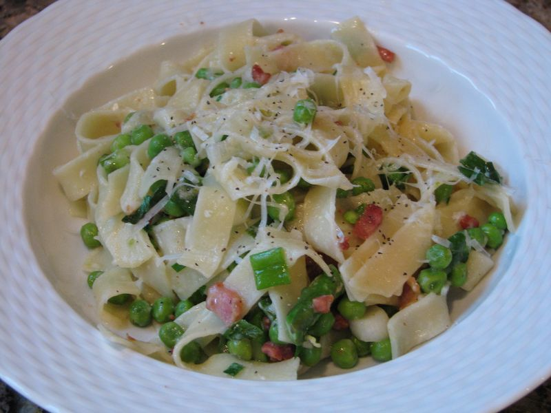 Fettuccine with peas, aspargaus and pancetta @ www.friendsfoodfamily.com