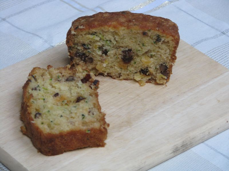 My Favorite Pineapple Zucchini Bread - Friends Food Family | Quick and ...