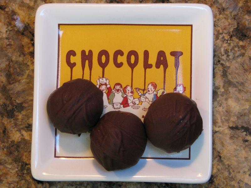 Tee's Peanut Butter Balls @ www.friendsfoodfamily.com