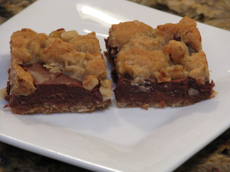 Fudgy (Chocolate) Oatmeal Bars @ www.friendsfoodfamily.com