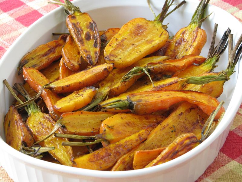 Roasted Carrots with Honey Butter and Cinnamon @ FriendsFoodFamily.com