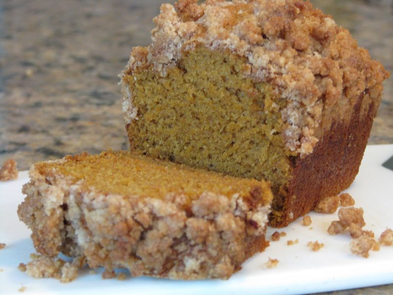 Pumpkin Bread with Cinnamon Brown Sugar Crumb Topping at FriendsFoodFamily.com