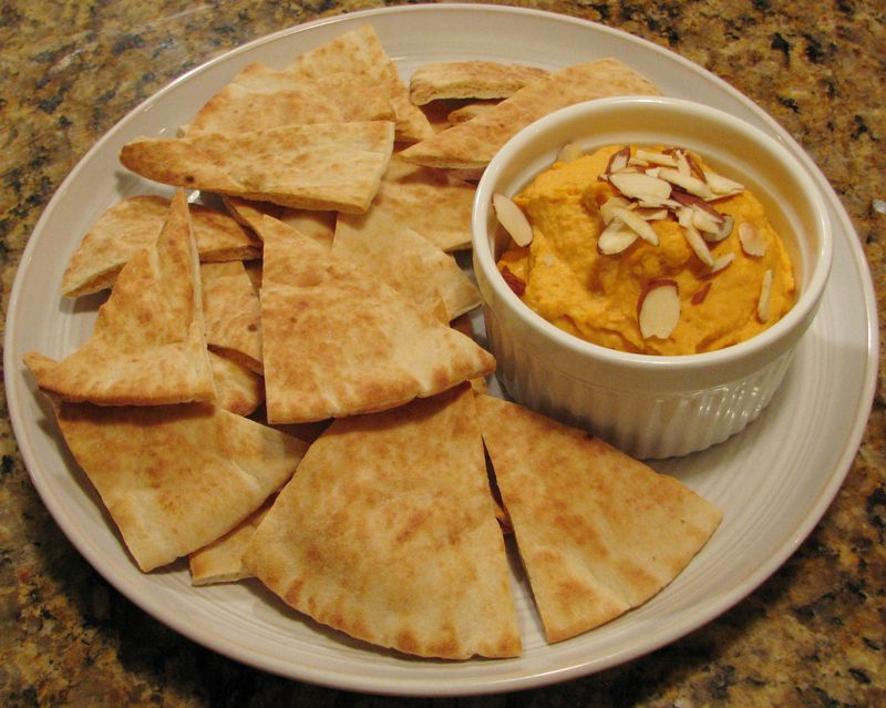 Roasted Red Pepper Hummus @ FriendsFoodFamily.com