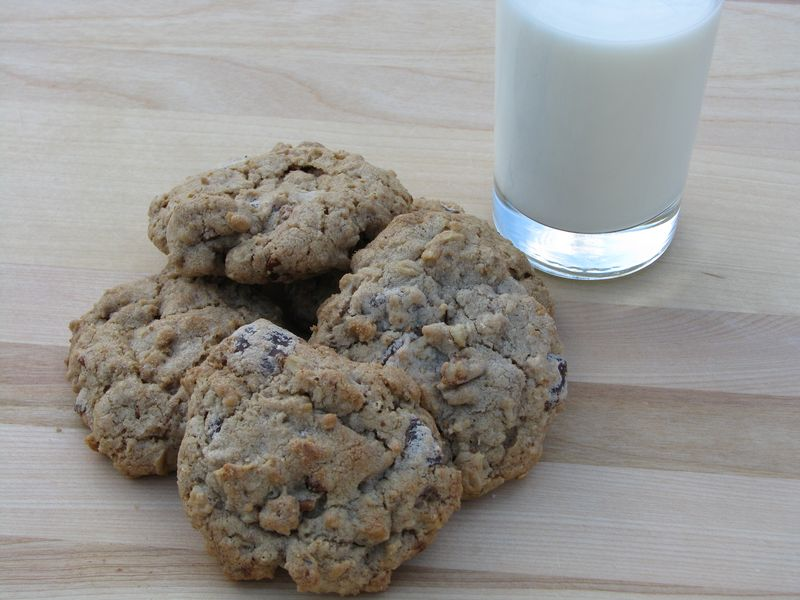Chocolate Chip Cookies with Oatmeal and Two Kinds of Chocolate with FriendsFoodFamily
